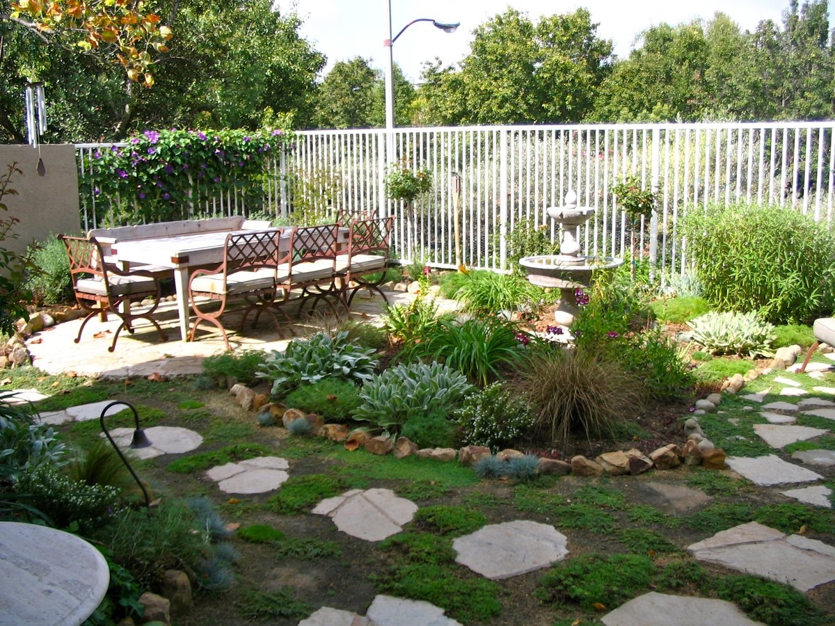 backyard-cookout-decoration-ideas-1112-party-pinterest_california