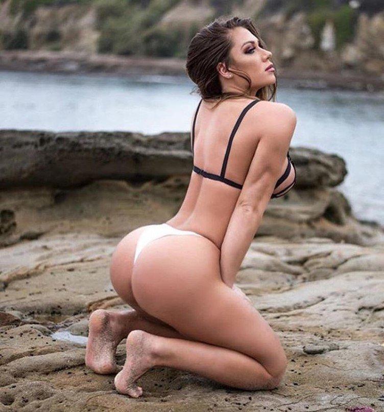 тянкой женщины с роскошным задом фото баланку брал