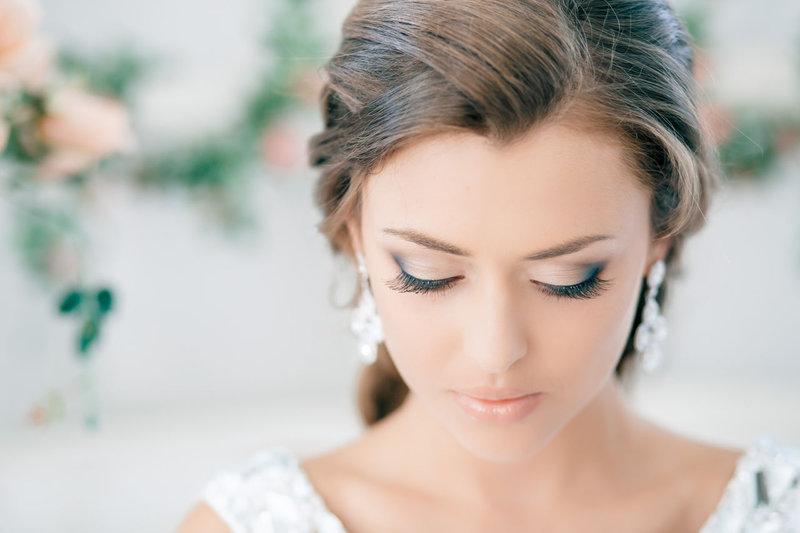 Легкий, не принужденный свадебный макияж.