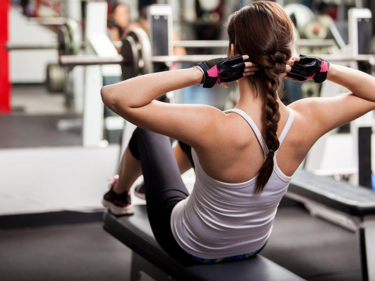 Гимнастика в спортзале с девушками видео