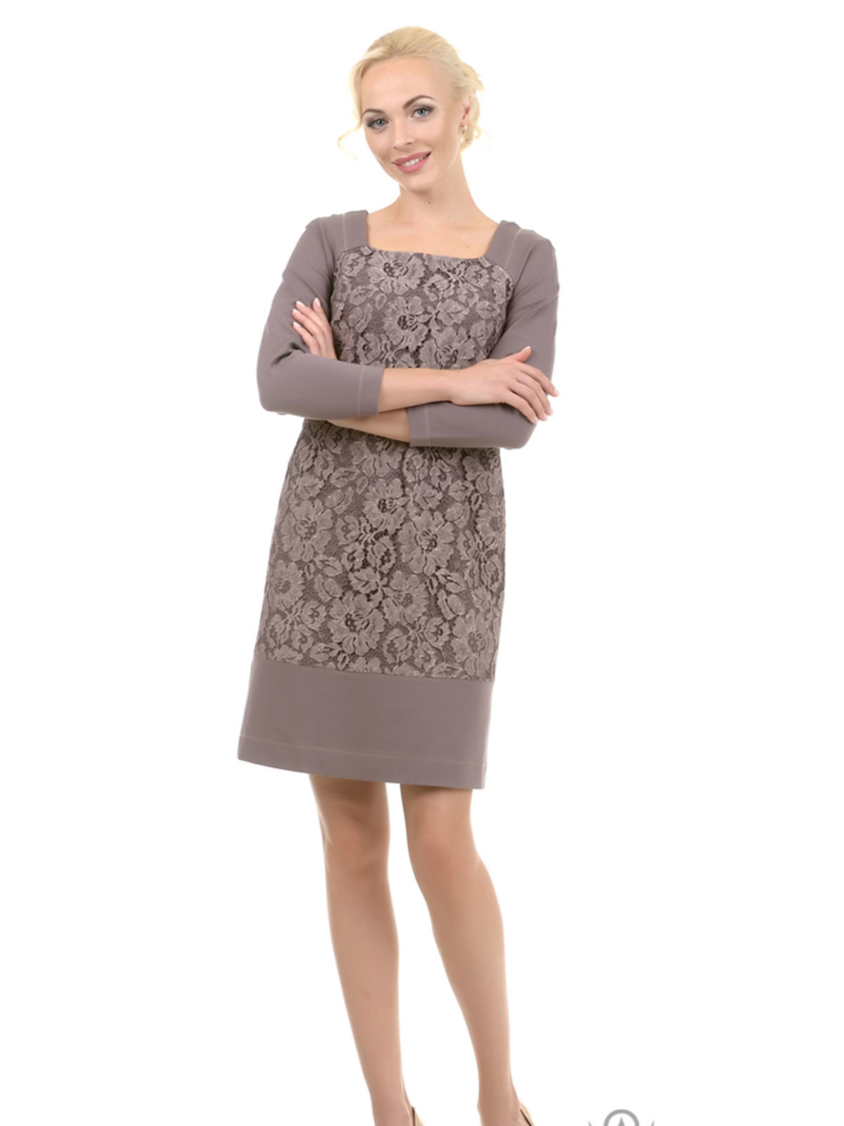 d0f4361c29a Платье полуприлегающего силуэта