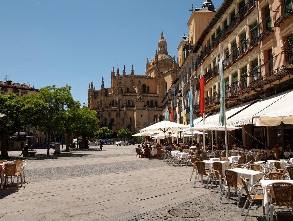 Уличные кафе в испании фото
