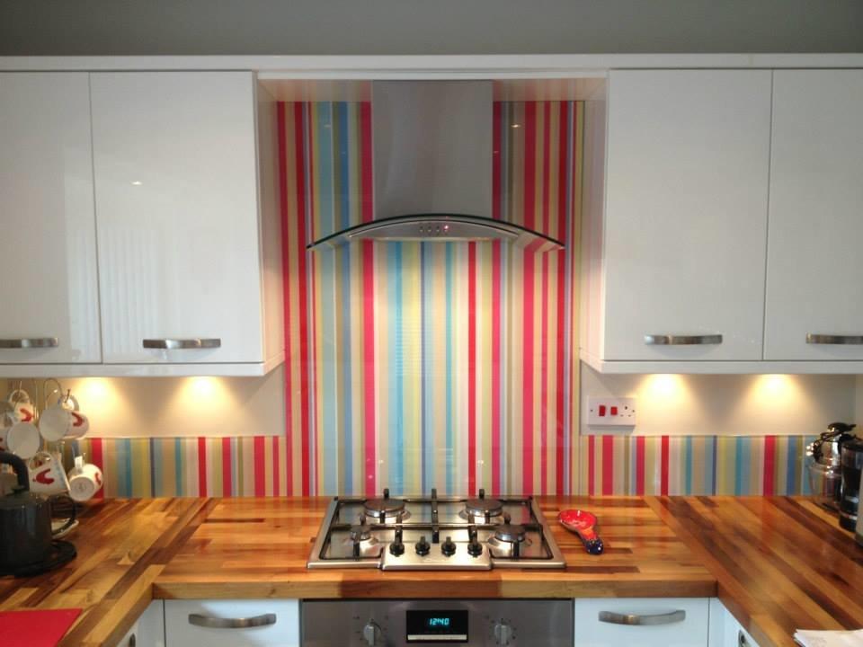 фото кухни с полосатым рисунком опыт работы