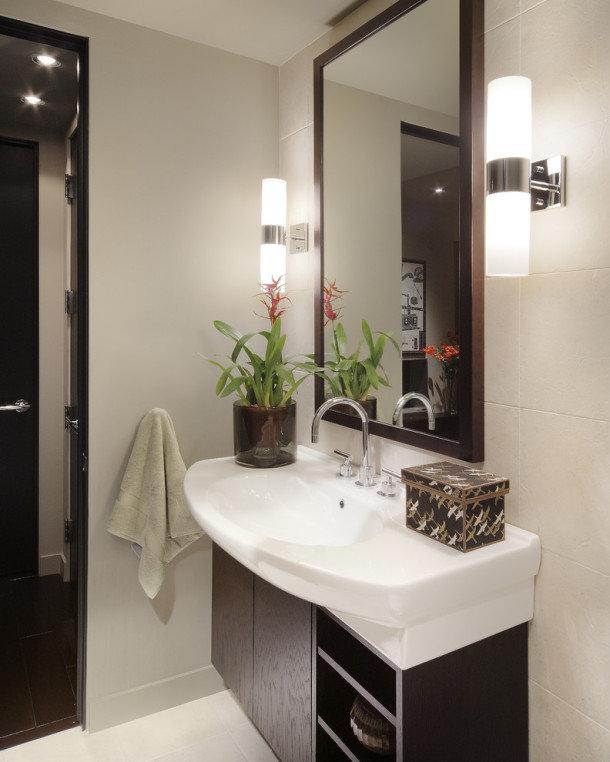 Лучшее освещение для ванной это – функциональность, безопасность и эстетика. Оно включает: рабочее, верхнее и напольное освещение, а также непосредственно освещение ванны.