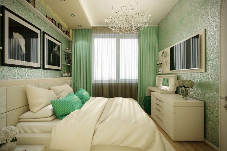 небольшая удлиненной формы спальня в нежно-зеленых тонах