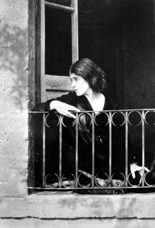 a biography of the photographer edward weston