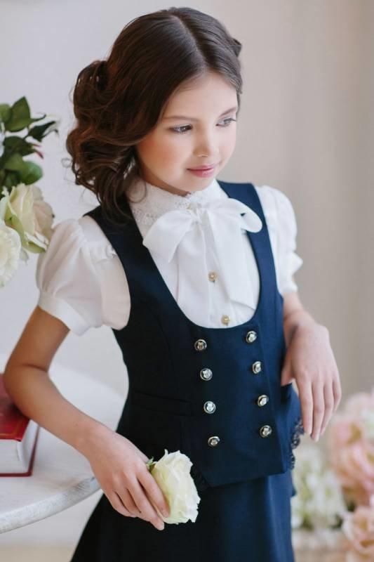 костюм жилетка школьнице