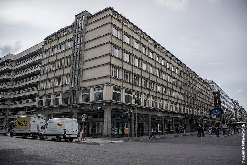 Офисное здание Фридрихштадт, построенное в 1935 году по проекту архитектора Юргена Бахмана.