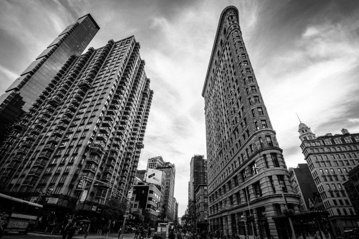 Картинки черно белого города в высоком качестве