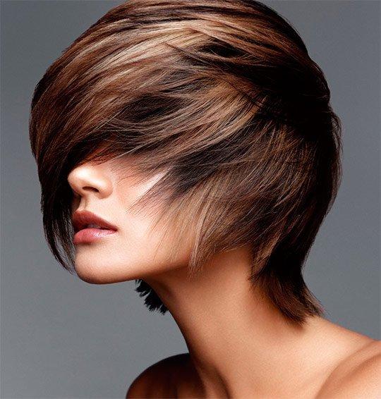 Модное мелирование на короткие темные волосы