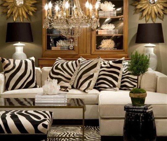К счастью сегодня, для того чтобы украсить стену своей гостиной шкурой зебры или жирафа, или расстелить ее на полу не обязательно убивать животных.