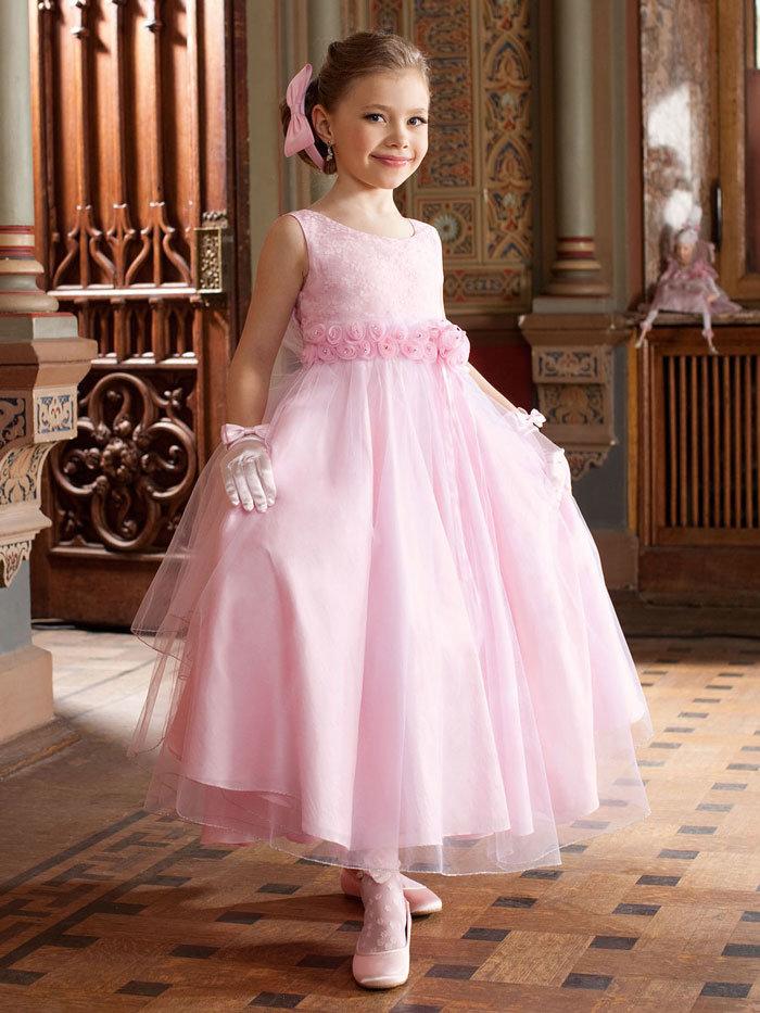 Праздничные платья для девочек на утренник или выпускной.