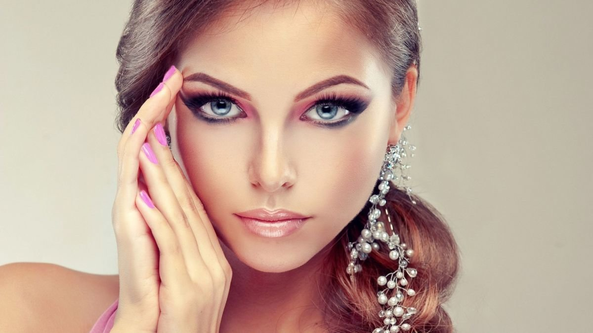 dating makeup Speed dating makeover in the recent years speed dating has become a real phenomenon among the people who just didn't manage to find that special someone on their own therefore, some people have decided to help them and organized the speed dating meetings.