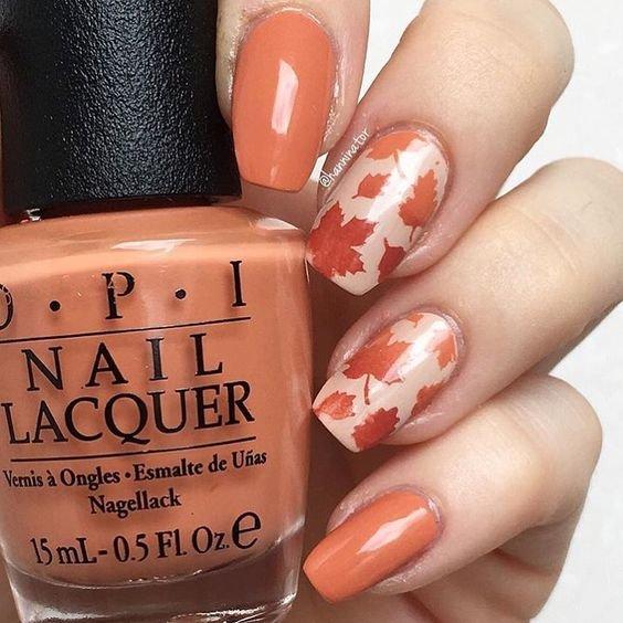 Модный и современный маникюр на осень в оранжевых красках