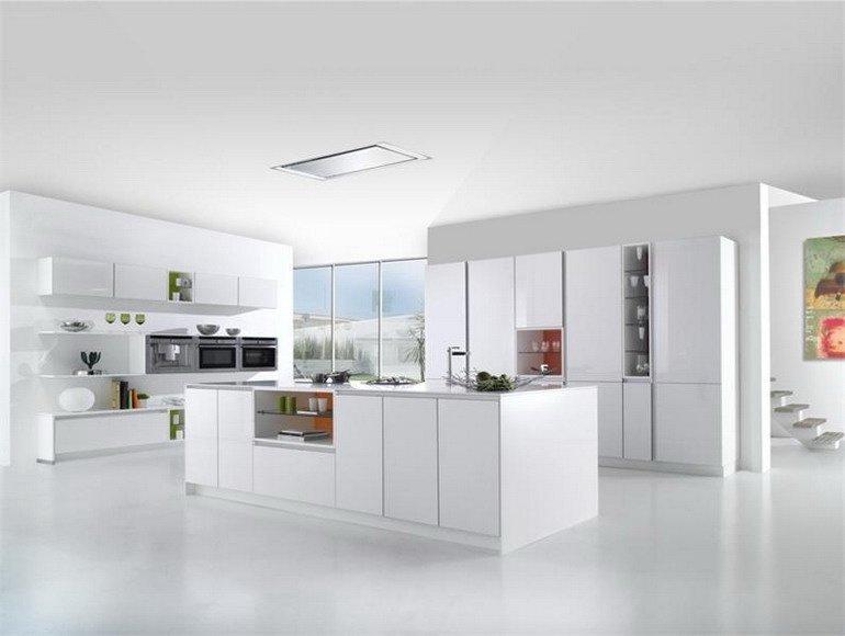 кухня с прямоугольным островом в стиле минимализма