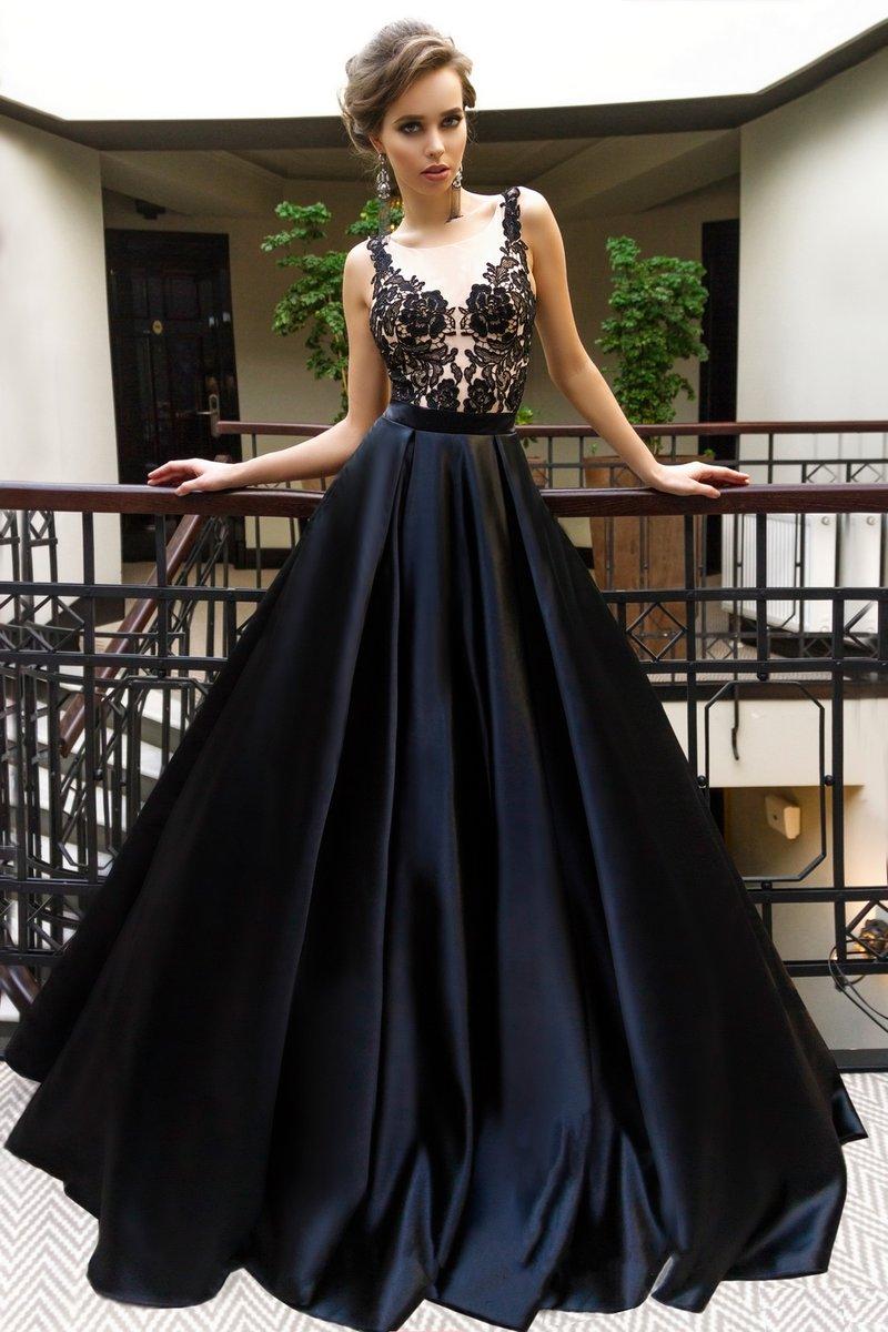 Платье с атласной юбкой и ажурным верхом