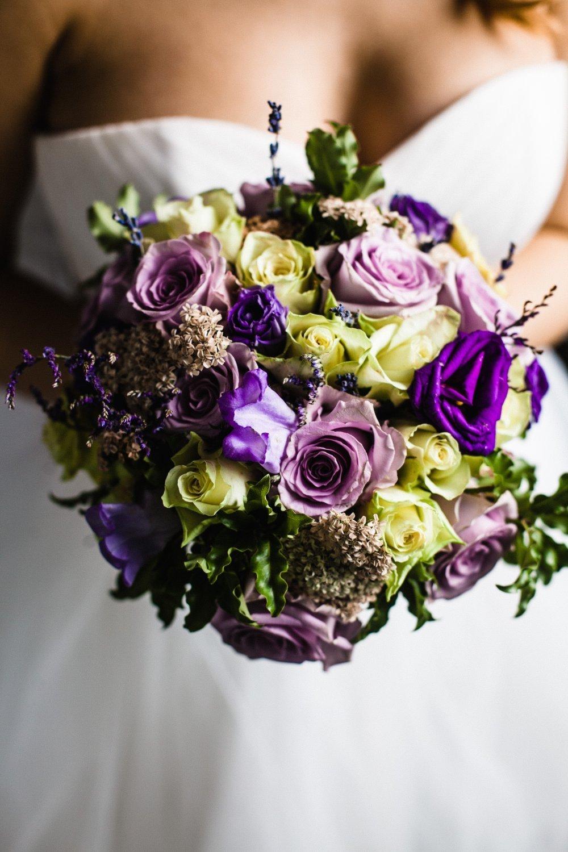 """В разделе """"Вдохновение цветом"""" или """"Цвет свадьбы"""" собраны все свадебные детали разных цветов и форм. Находите и сохраняйте собственные фотоидеи в личном кабинете"""