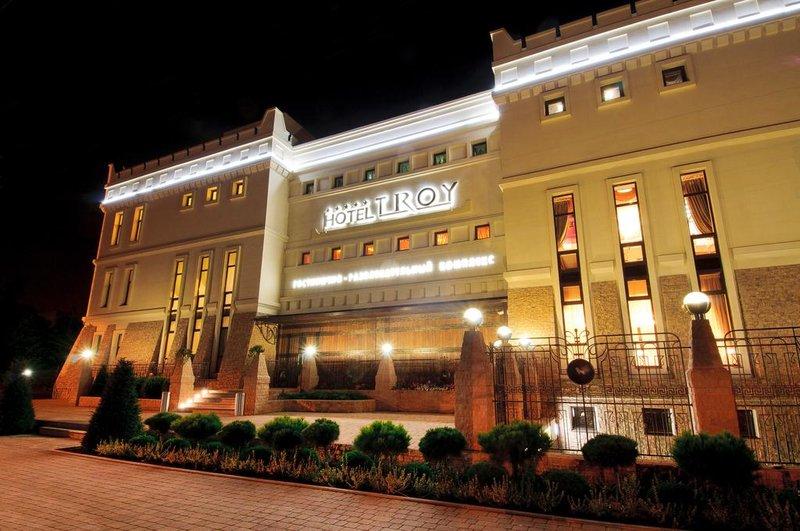 Гостиница Troy ночью