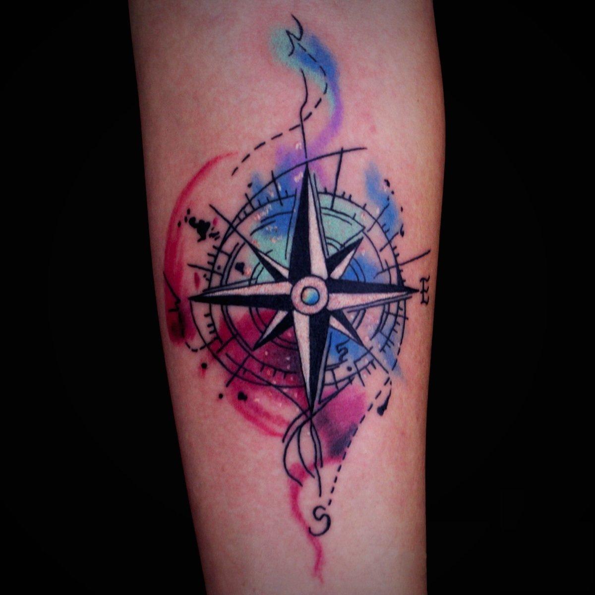 Татуировка роза ветров фото 7