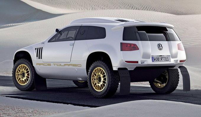 Немецкие конструкторы подготовили дорожную версию болида -- Volkswagen Race Touareg 3 Qatar Concept. У этого концепта кузов адаптирован к дорогам общего пользования. А начинка почти полностью как у исходного автомобиля.