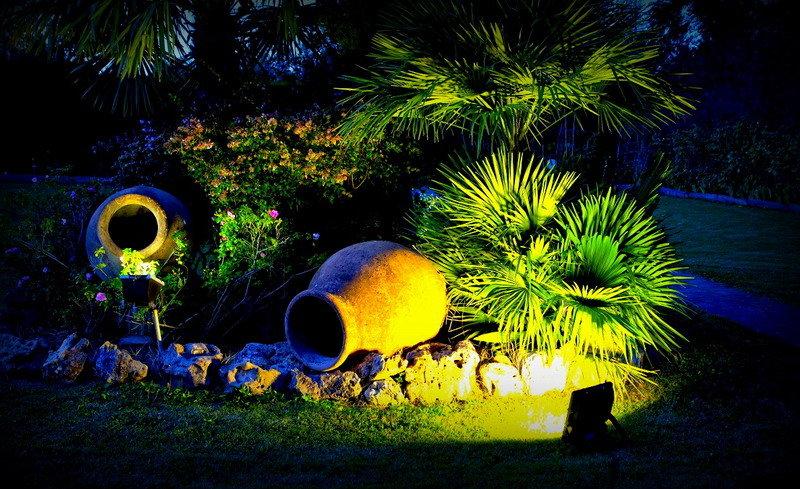 Акцентное освещение скульптурной группы