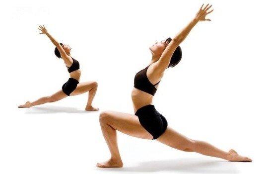 Шейпинг-хореография – это еще один подвид, который отвечает за улучшение осанки и походки женщины. Исправление и выравнивание искривленного позвоночника ведет за собой нормализацию работы всех органов в организме. Учиться правильно держать осанку помогают различные упражнения, которые дополнительно борются с лишними килограммами.