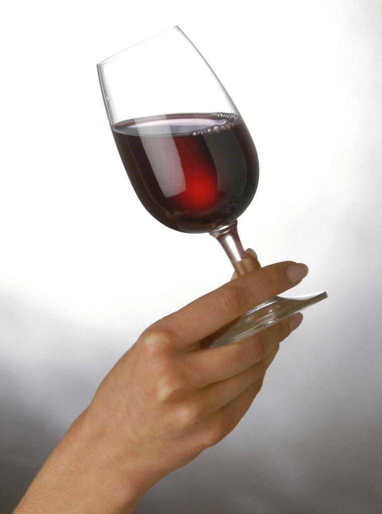 Картинки бокал вина в руке