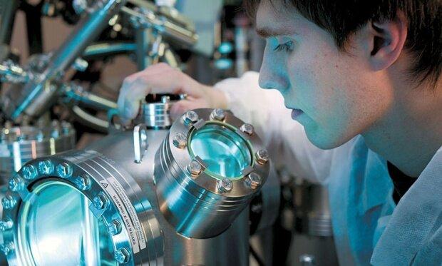 Проведение научных опытов и исследований