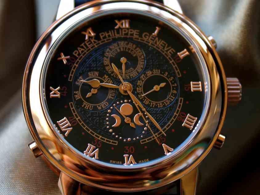 стоимость часов patek philippe sky moon tourbillon них элегантные строгие