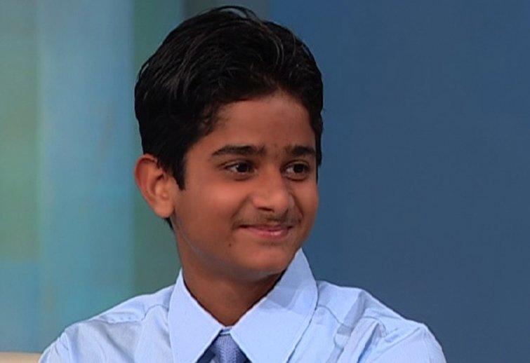Акрит Пран Ясвал Мальчик из Индии стал известен, когда выполнил свою первую хирургическую операцию — ему было тогда всего семь лет.