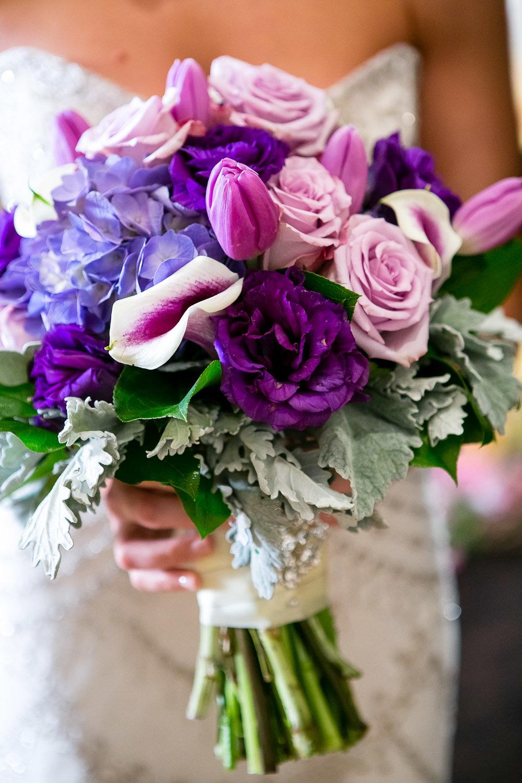 Букет для невесты 10 в сиреневом цвете фото, 101 роза