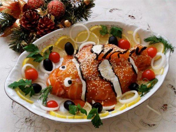 Красочный детский новогодний салат