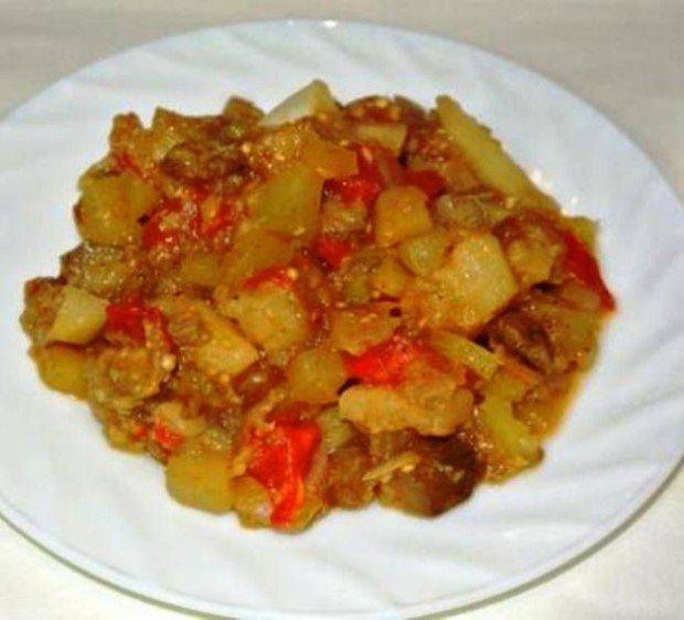овощное рагу с баклажанами и кабачками картошкой и капустой в