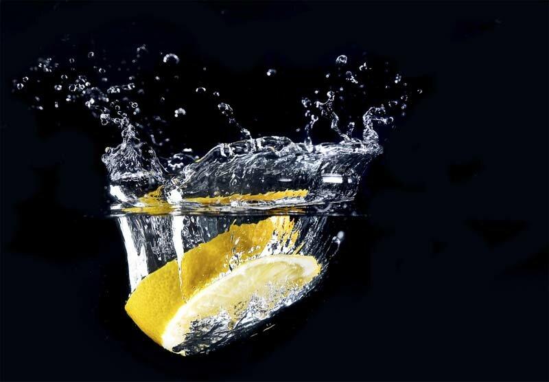 Высокоскоростная фотография становится очень популярной с каждым днем. Долька лимона