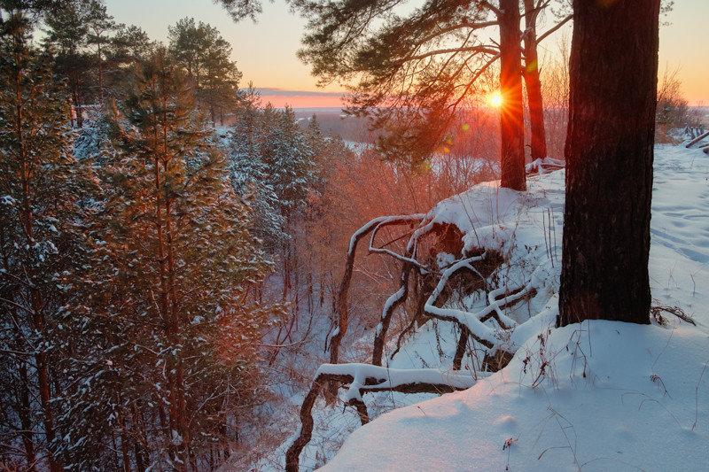 Зимний рассвет на Нижней Каме, республика Татарстан