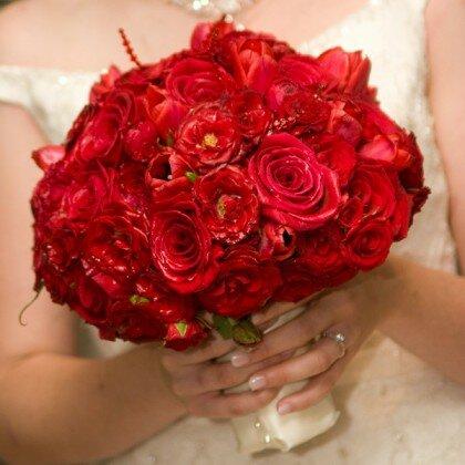 Красный букет для невесты