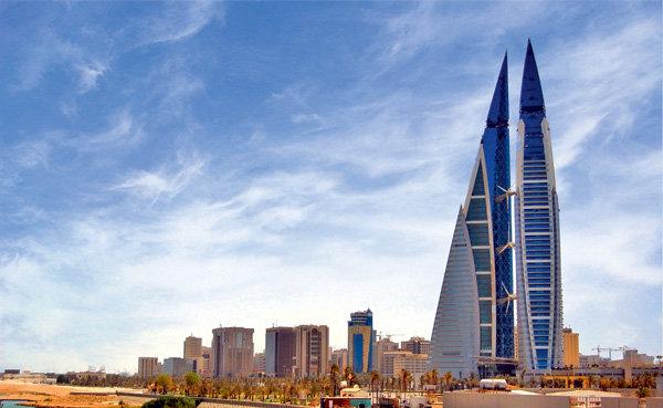 Первый в мире небоскреб с ветрогенераторами в конструкции создала британская мультинациональная компания Atkins.