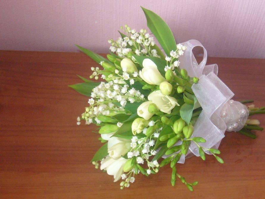 Оптовый поставщик, свадебные букеты с ландышами и тюльпанами фото