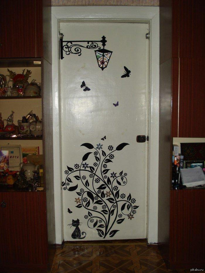 Разрисовать двери своими руками