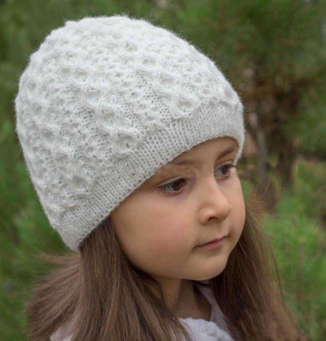 «Вязаные спицами шапки для девочек на осень со схемами ...