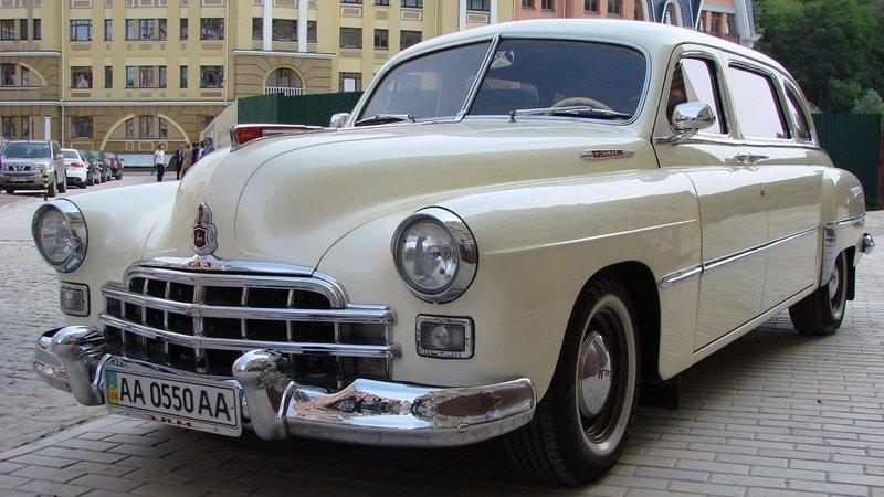 ГАЗ-М-12 «ЗиМ»