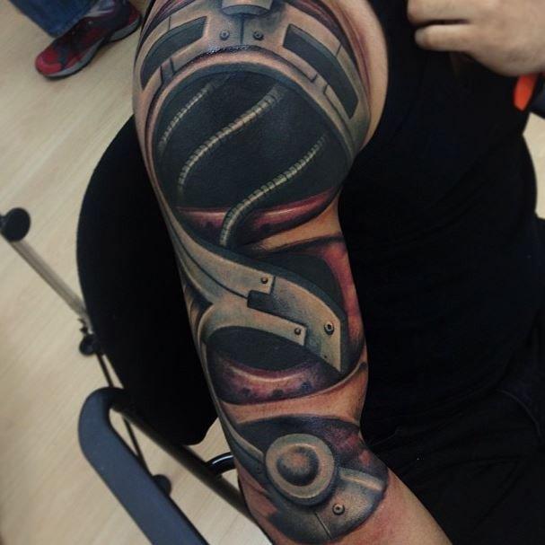 плечо с проводами