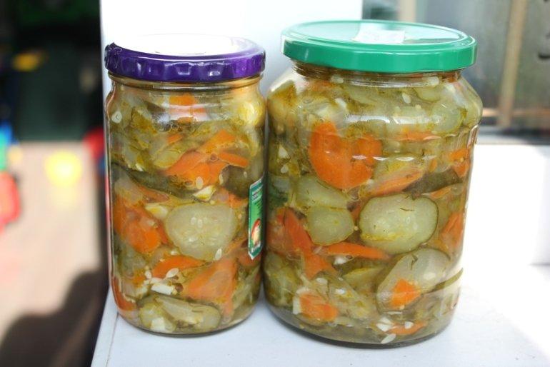 салат на зиму из огурцов моркови лука и капусты