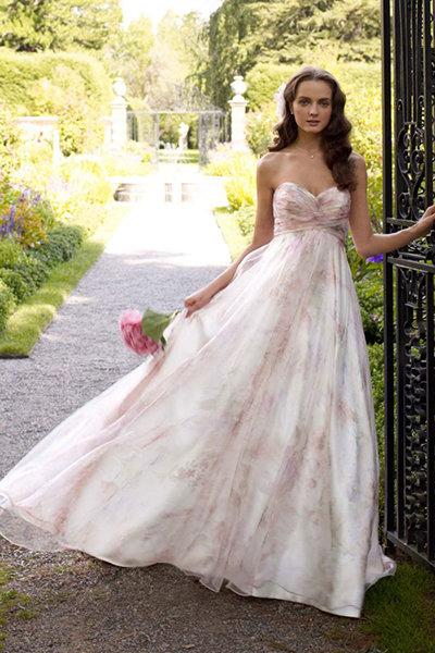 невеста в летнем платье