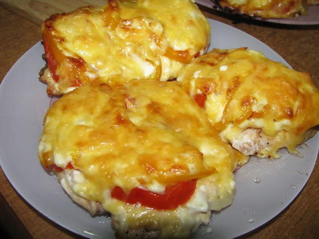 куриные отбивные с помидорами и грибами в духовке