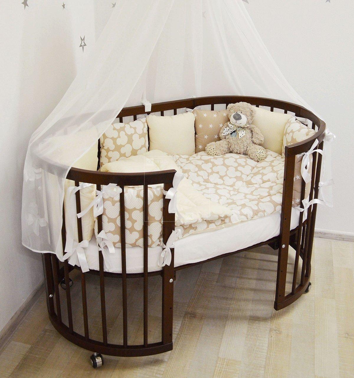 Узнав о скором пополнении будущая мама начинает придумывать имя малышу, потихоньку скупать одежду и выбирать мебель для новорожденного.