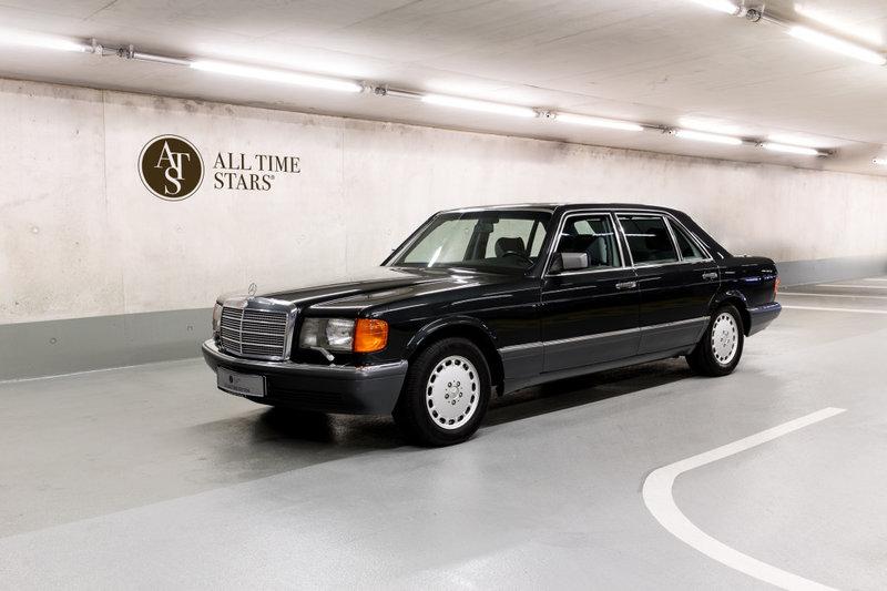 Автомобиль Mercedes Benz S-класса W126 560SEL 2