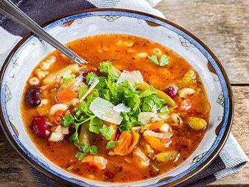 Вкусные и наваристые супы — в Яндекс.Коллекциях. Смотрите фотографии с рецептами борща, рассольника, ухи, харчо и других супов