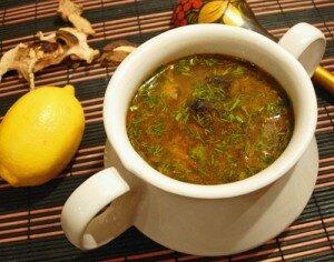 СУП ИЗ МАША Маш имеет сладкий, вяжущий вкус, оказывает охлаждающее действие. Этот суп богат белками и при употреблении с рисом и чапати дает много энергии.