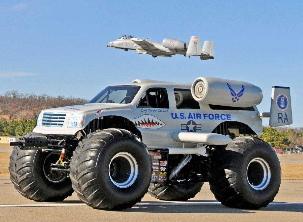 машины на огромных колесах иностранцы так